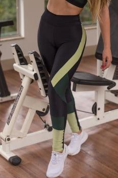 Calça legging fitness fusô preta e verde recortes com cós alto