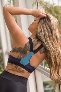 Top fitness com bojo removível preto e azul